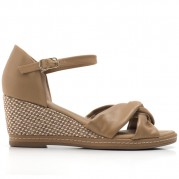 Wedge Sandals with Straw Texture on the Heel and Knot Ornament