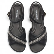 Flat Sandals with Straps