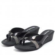 Wedge Flip-flops with Straps and Pendant