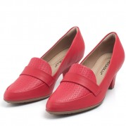 Mid-heeled Loafer with Trisset Detail