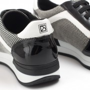 Energy Sneakers with Elastic shoelaces